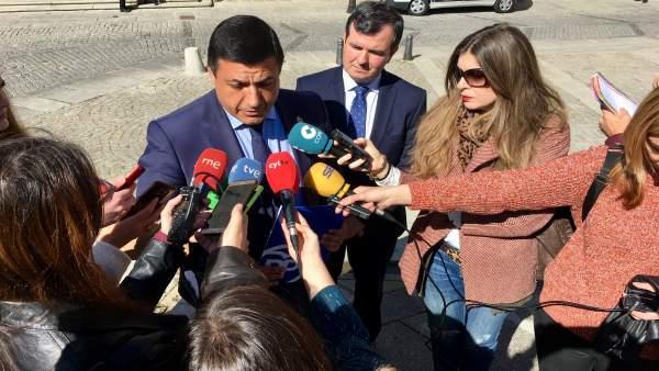 28A.- El Presidente Del PP De Ávila Advierte Que Con La Fragmentación De La Dere