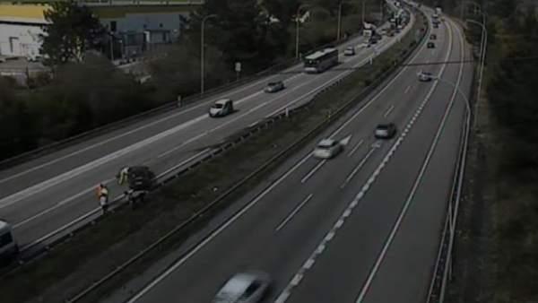Sucesos.- Tráfico lento en la autopista 'Y' por un accidente en sentido Oviedo