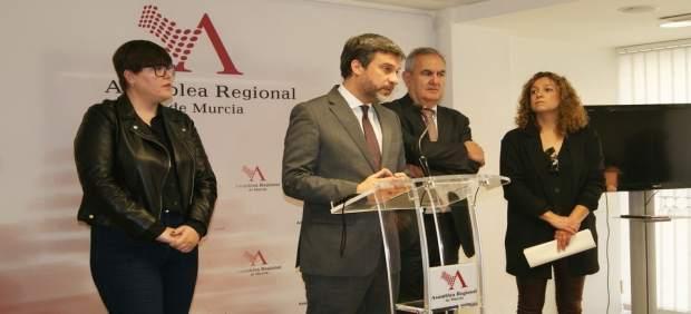 López, durante la rueda de prensa