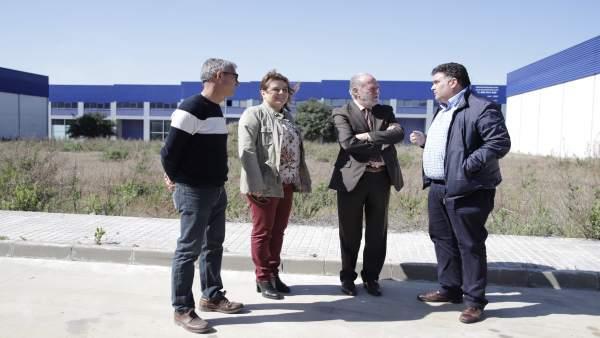 Sevilla.- El presidente de la Diputación visita el Ayuntamiento de Morón de la F