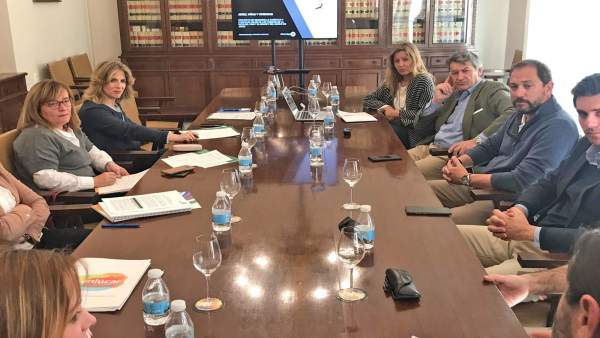 Cádiz.- Mestre apoya la Ruta Enoturística propuesta por la Asociación de las Rut
