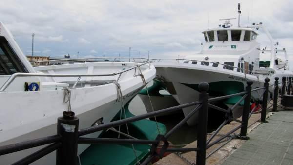 Suspendidas las conexiones por catamarán entre Cádiz, Rota y El Puerto por el ma
