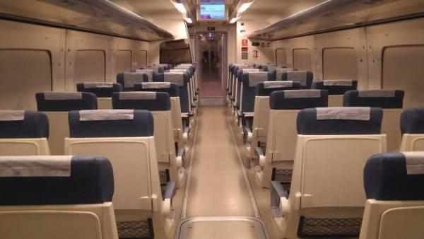 Almería.-La Mesa del Ferrocarril arranca su viaje reivindicativo a Sevilla con 1
