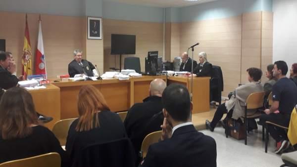 El juez devuelve la causa de Puerto Gallego a Santoña para localizar o  reconstr