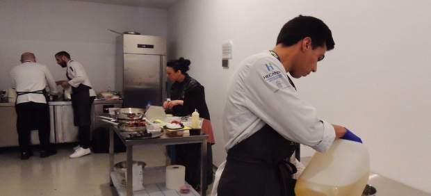Seis alumnos de Hecansa participan como asistentes de cocina en el 'II Foro Gast