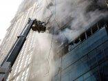 Incendio en una rascacielos de Dacca
