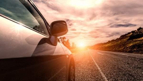 Si vas a alquilar un coche, atento a las multas más habituales que reciben estos vehículos