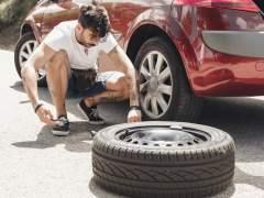 ¿Seguro que sabes cambiar una rueda pinchada?