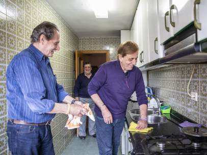 Jubilados que comparten piso en Valencia.