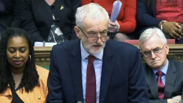 Jeremy Corbyn compareciendo en la Cámara de los Comunes.