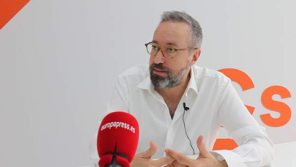 28A.- Girauta Reivindica Su Proyecto 'Patriota' Para España Y Rechaza Que Las Id