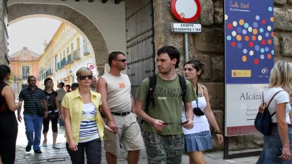 Ayuntamiento de Sevilla aprueba crear nueve apartamentos turísticos en un edific