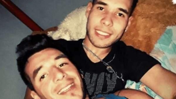 """Seis policías violan y torturan a dos jóvenes homosexuales en Argentina: """"Nos retorcieron los testículos"""""""
