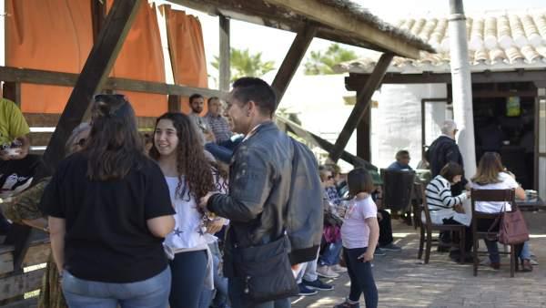 Huelva.-El Muelle de las Carabelas celebra la jornada 'Viva la democracia' con a