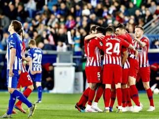 Atlético de Madrid vs. Alavés.