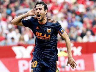 Dani Parejo celebra un gol en el Sánchez Pizjuán.