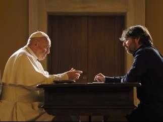 El papa y Jordi Évole