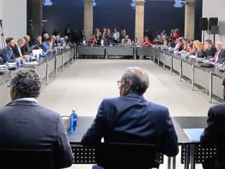 Los partidos catalanes firman un documento contra el racismo y la xenofobia.