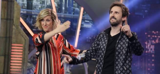 Cecilia Freire y julián López, en 'El hormiguero'.