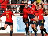 Las jugadoras de España celebran un gol