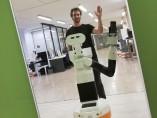 Tiago, un robot capaz de reconocerse en el espejo