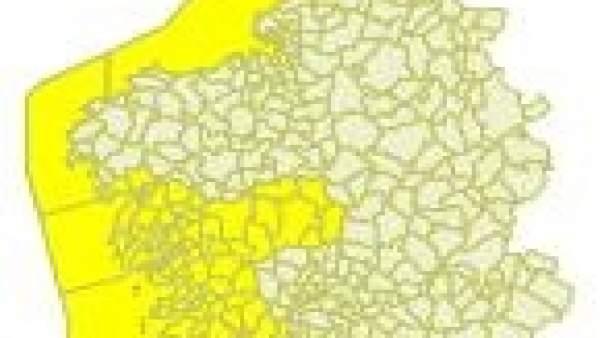 La provincia de Pontevedra y parte de A Coruña tendrán este martes aviso por llu