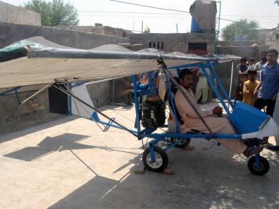 Paquistaní construye un avión casero