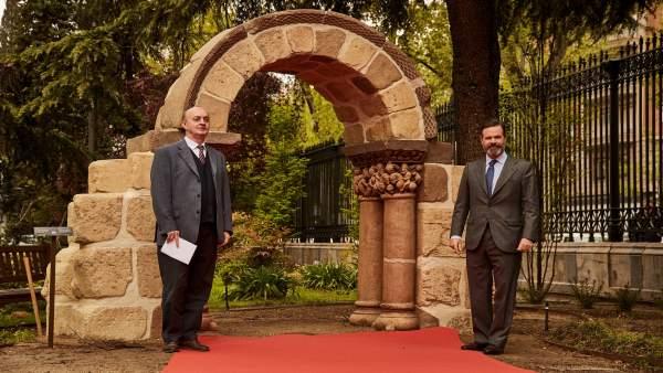 Reproducen a escala real en 3D en hormigón el arco románico de San Pedro de las