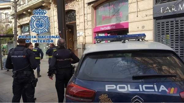 Nota De Prensa: La Policía Nacional Sofoca Un Incendio En Un Domicilio Y Auxilia