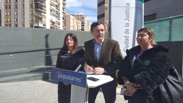 Almería.- Hernando (PP) no se retractará y afea a Martínez (PSOE) que hable de '