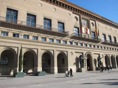 Zaragoza.- El presidente de la FABZ pide responsabilidad a los grupos municipales para que 'la ciudad no se pare'