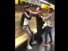 agresión racista barceloneta