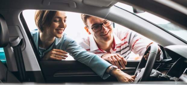 Si estás pensando en comprar un coche, adelántate antes de que los precios sigan subiendo