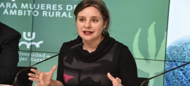 La directora del Instituto de la Mujer en rueda de prensa
