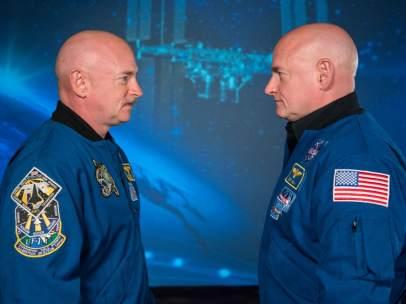 Los astronautas gemelos Mike y Scott Kelly