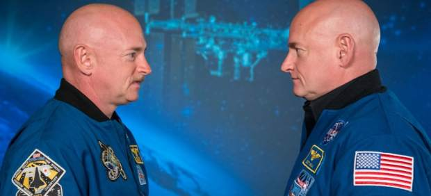 Los astronautas gemelos Mike y Scott Kelly