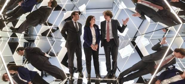 La Caixa presenta la exposición 'Espejos, dentro y fuera de la realidad'
