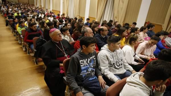 Córdoba.- Unos 300 alumnos participan en la II Gymkana Fernandina, organizada el profesorado de Religión