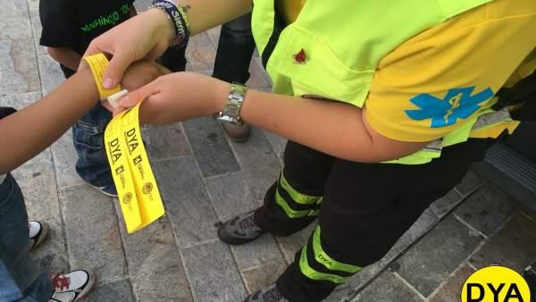 S.Santa.- DYA Extremadura ofrecerá cobertura sanitaria en Cáceres, donde distribuirá pulseras identificativas para niños