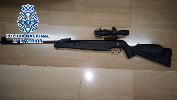 Nota De Prensa: 'La Policía Nacional Detiene A Una Persona Por Disparar Con Un R