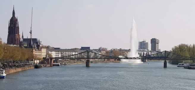 Detonan una bomba de 250 kilos en Frankfurt, Alemania