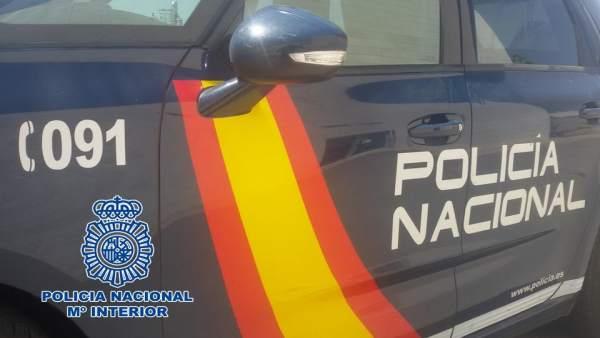 Granada.- Sucesos.- Dos jóvenes detenidos por romper más de una decena de retrovisores de coches aparcados
