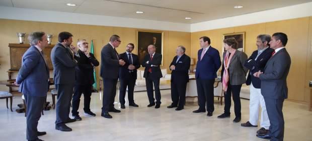 Sevilla.-Turismo.- Villalobos muestra el apoyo provincial a la Academia Sevillana de Gastronomía y Turismo