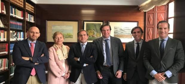 Granada.- 28A.- El PP aborda con Colegio de Abogados la situación del Puerto de Motril ante 'avalancha' de inmigrantes