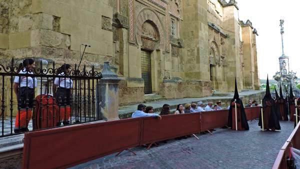 Córdoba.- S.Santa.- El calor dispara las asistencias de Cruz Roja en el Domingo de Ramos y quintuplica las de 2018