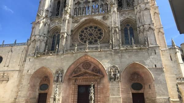 Lacalle anuncia aportaciones económicas desde Burgos a la reconstrucción de Notre Dame