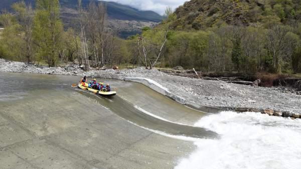 El río Noguera Pallaresa suma 50 kilómetros navegables seguidos de Llavorsí a la Pobla de Segur