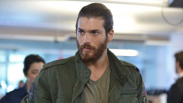 Can Yaman, actor de 'Erkenci Kus'