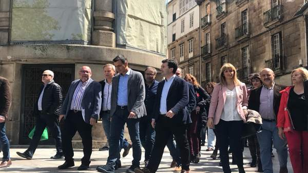 28A.- Crónica.- Pedro Sánchez Busca El Voto En El Feudo 'Popular' De Ourense, En Donde El Agua De As Burgas 'Quema'
