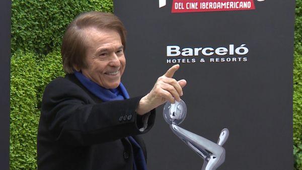Raphael, galardonado con el premio Platino